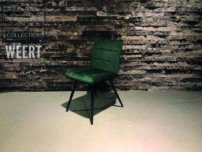Eetkamerstoel Hamont-Achel zonder arm met carrée stik in de rug op zwart metalen poten in donker groen fluwele stof