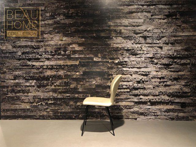 Zij-aanzicht-licht-beige-eetkamerstoel-met-zwart-frame