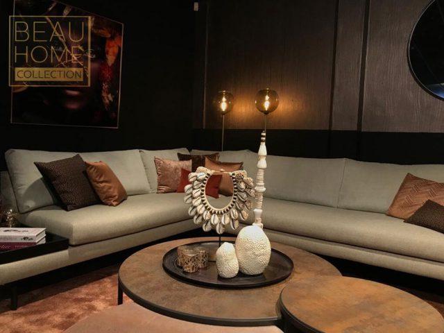 Licht grijze hoekbank luxere living