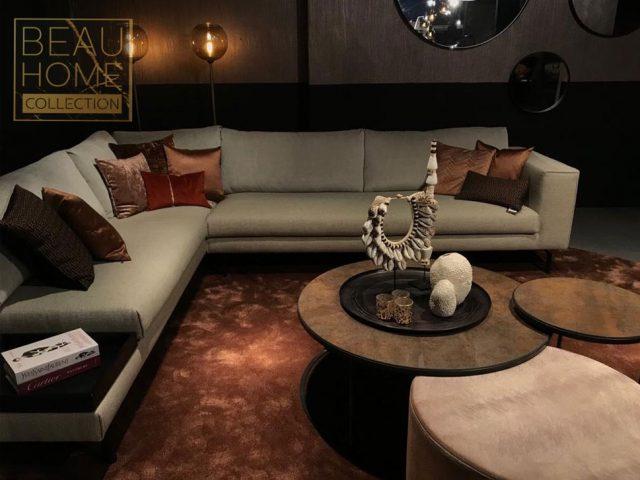 Licht grijze hoekbank luxere living Detail