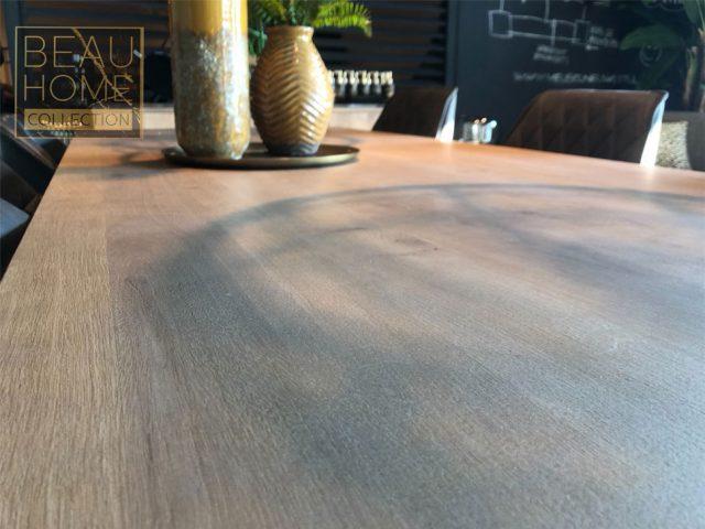 houten-eetkamertafel-rechthoek-close-up
